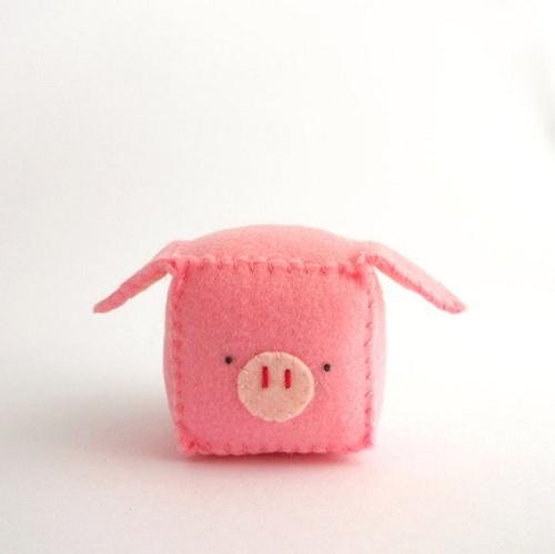 Làm móc khóa bằng vải dạ hình lợn con yêu quá!