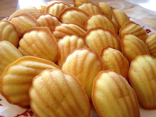 Bánh ngọt Pháp và Nhật Bản làm giới trẻ mê mẩn - Abby - Đồ làm ...