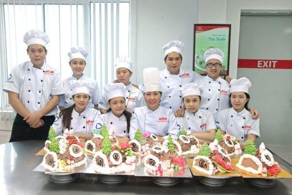 Lớp học làm bánh đạo tạo nghề tại Tân Nhất Hương