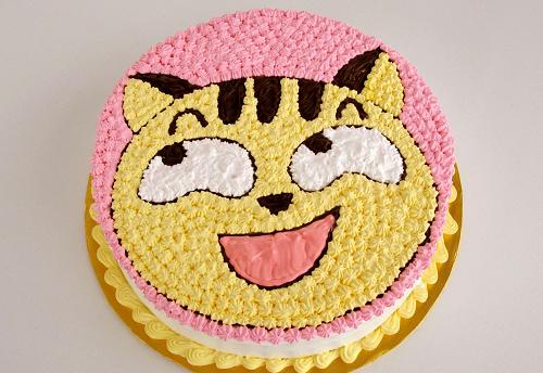 Bánh sinh nhật hình con mèo tinh nghịch