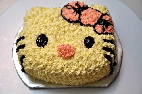 Bánh sinh nhật hình mèo kitty cho bé yêu