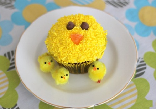 Bánh sinh nhật hình con gà xinh xắn