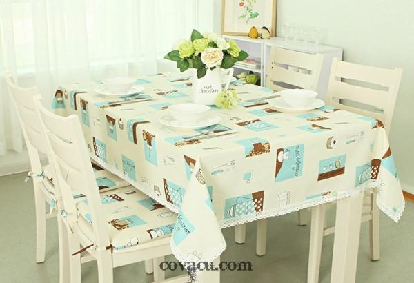 Sự kết hợp đơn giản của vải canvas với dải ren trắng bạn đã có một chiếc khăn trải bàn hoàn hảo.