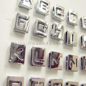 Chữ kim loại rỗng