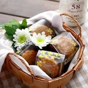 Túi đựng bánh 50g hoa mai vàng (10 chiếc)