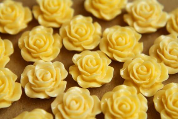 Cận cảnh hoa kem bơ trong