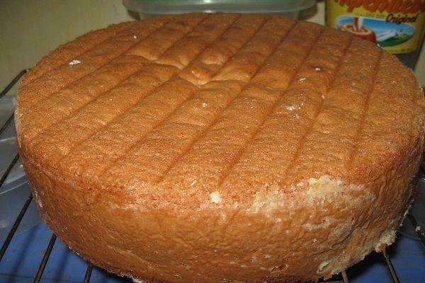 Mặt bánh xuất hiện chấm trắng