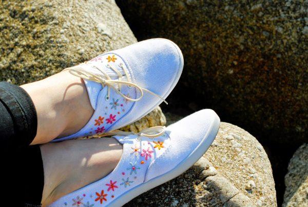 Thêu giày búp bê hoa siêu xinh