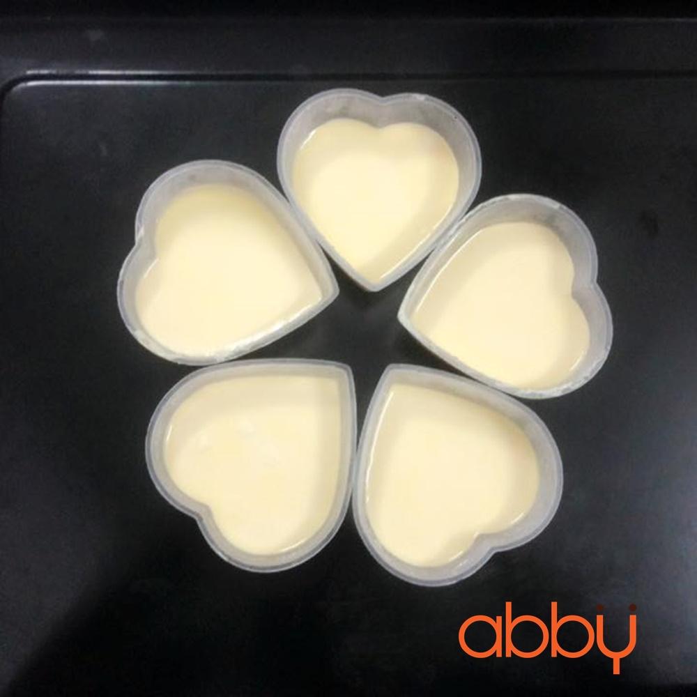 Hộp nhựa caramen trái tim (10 chiếc)