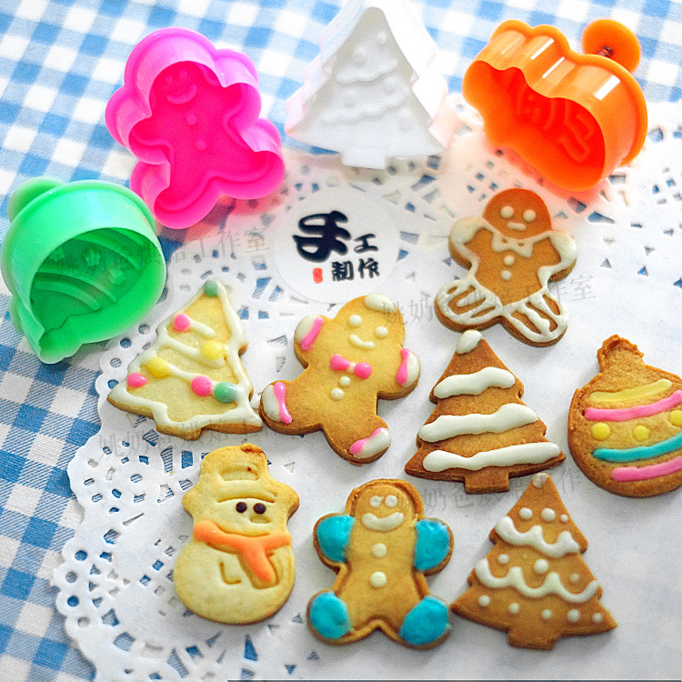 Bộ khuôn nhấn bánh quy 4 chiếc bằng nhựa hình Noel