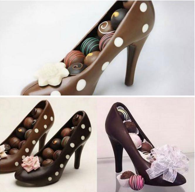 Khuôn nhựa 3D hình giày cao gót 18x17x13cm