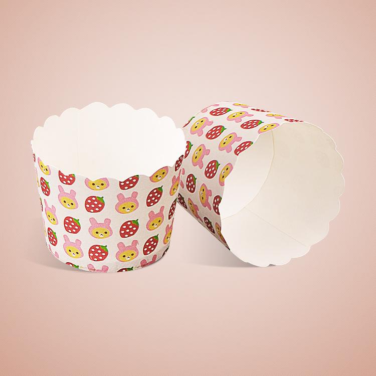 Cup giấy cứng 6x5cm mẫu thỏ và dâu tây (48 - 50 chiếc)