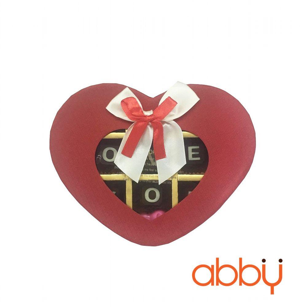 Hộp socola trái tim 13 viên nơ mặt kính màu đỏ