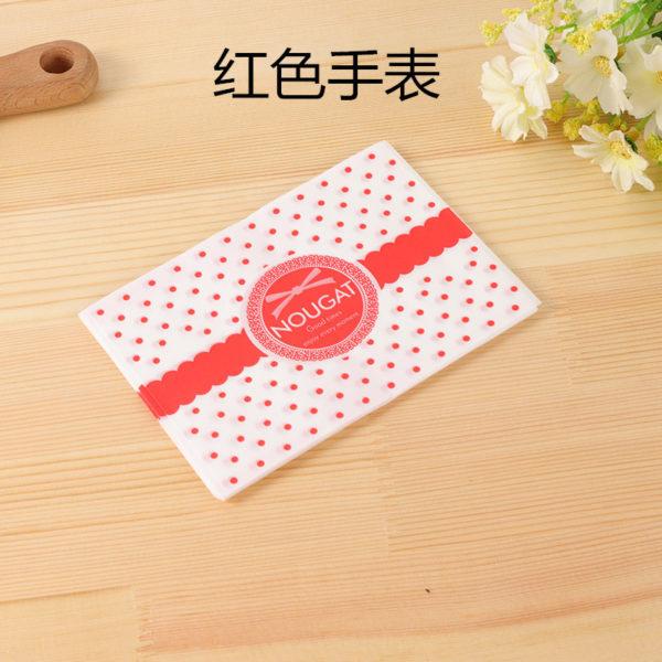 Giấy gói kẹo chấm bi đỏ chữ nougat (100 tờ)