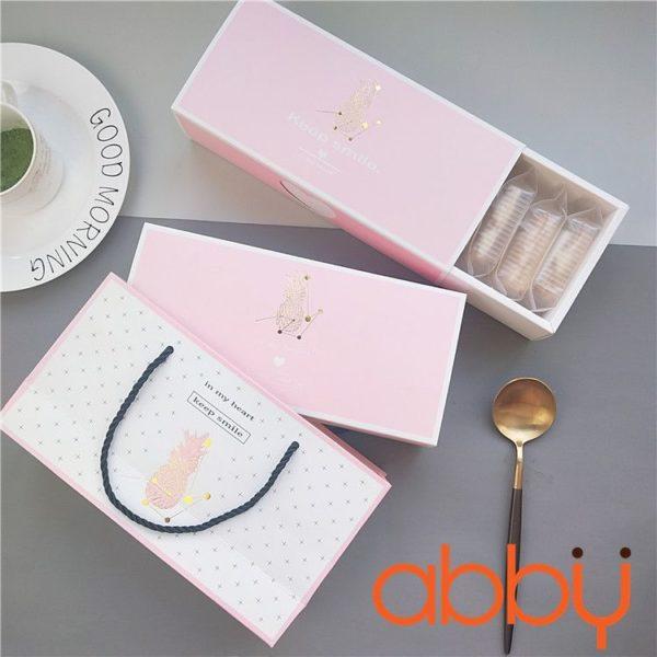 Bộ túi và hộp đựng bánh dứa màu hồng Keep smile 24x11x5.5cm