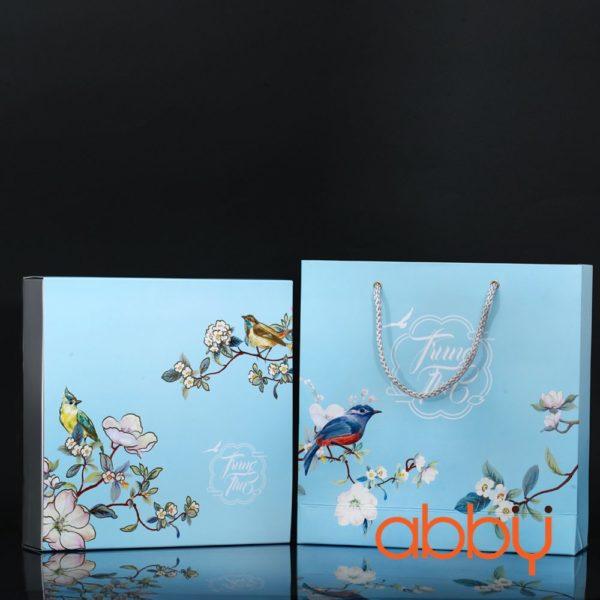 Bộ túi & hộp giấy 4 bánh trung thu 125-250g nhũ vàng mẫu chim xanh