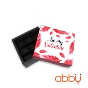 Hộp socola hình vuông 9 viên lông vũ Be my Valentine